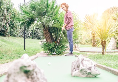 Adding a Mini Golf Course to Your Entertainment Complex