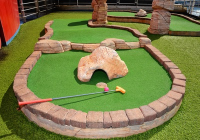 Crazy Golf Course Design: 4 Obstacles That Mini Golfers Love to Hate